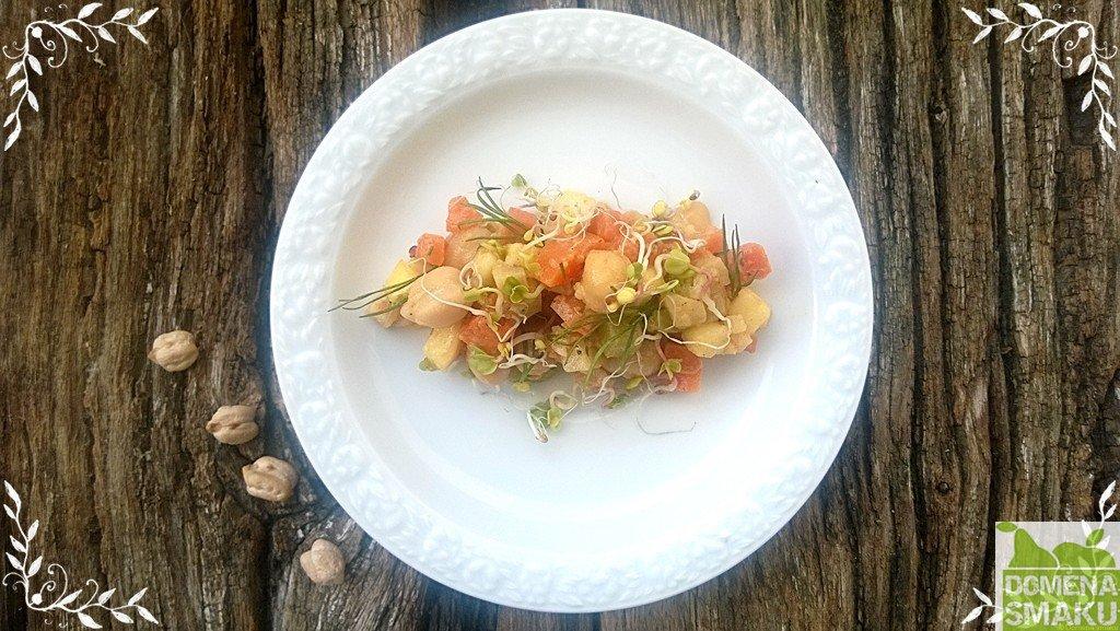 Salatka jarzynowa z cieciorka 1