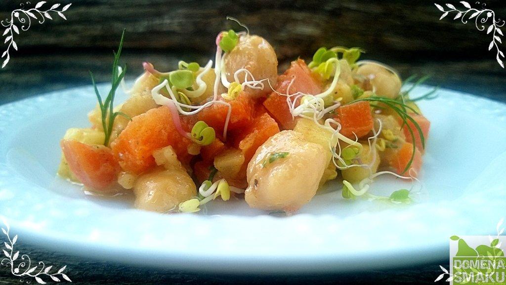 Salatka jarzynowa z cieciorka