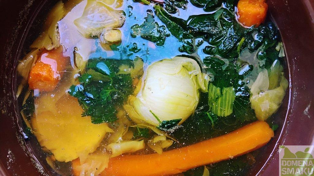 zupa z pokrzywy mniszka 2